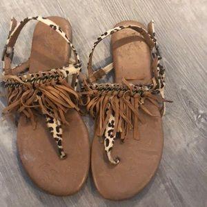 Boho leopard fringe flat sandals